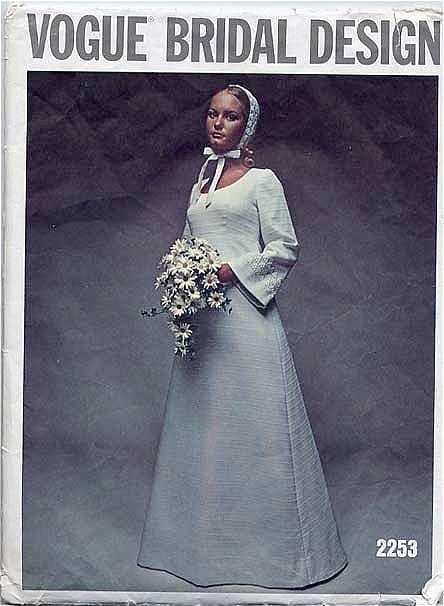 vogue-wedding-1960-scandinavian-style-bridal-gown