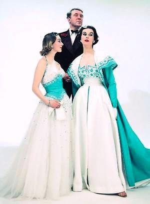 Норман Хартнелл и модели в его платьях