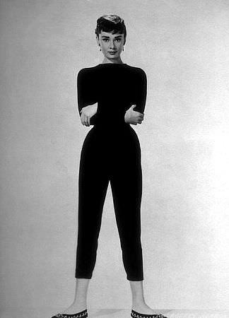 http://fashionblog.com.ua/wp-content/uploads/2013/07/audrey-hepburn-ballet-leopard.jpg
