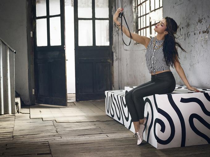 Selena gomez neo adidas photos3