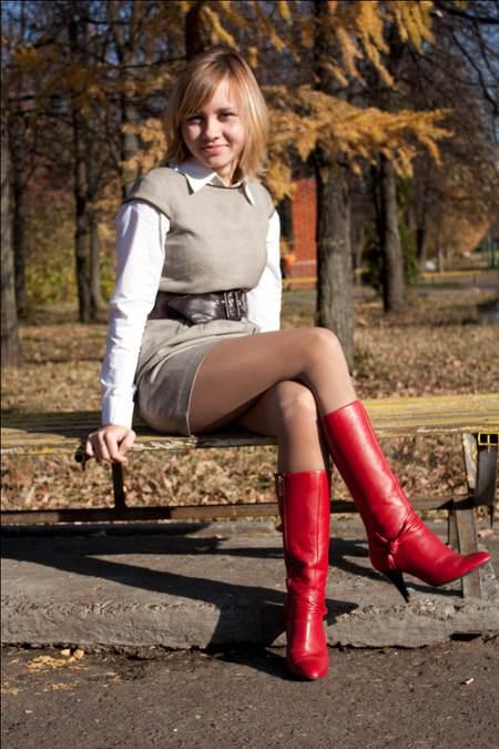Фото девушек в платьях и телесных колготках 1 фотография